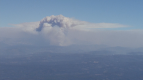 Thick smoke from Caldor Fire envelops South Lake Tahoe