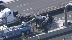 Crash involving multiple vehicles blocked lanes in both directions on I-17