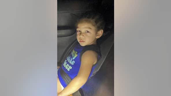 Police find guardian of toddler found wandering near Mesa medical center