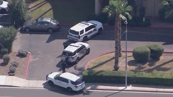 Phoenix PD: Fugitive kills self, woman fatally shot by officers