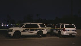Man dies after being dropped off at west Phoenix hospital with gunshot wound; investigation underway