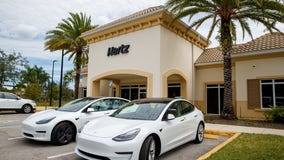 Hertz to lease 50,000 Teslas to Uber drivers