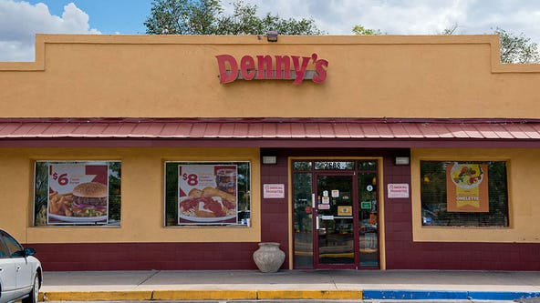 Denny's celebrates Veteran's Day with free food
