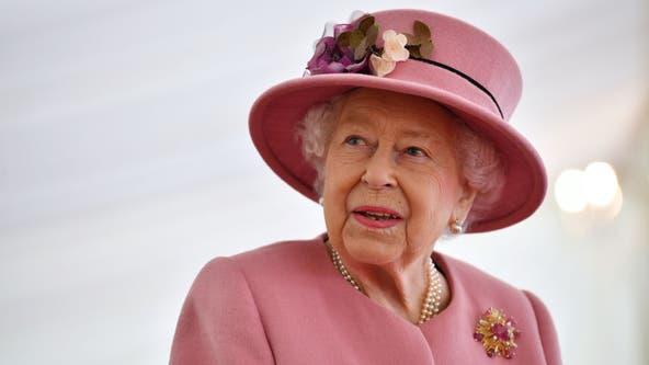 Queen Elizabeth II returns to Windsor Castle after hospital stay