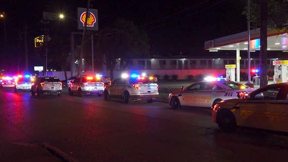 3 officers shot, 1 killed during apparent ambush in north Harris Co.
