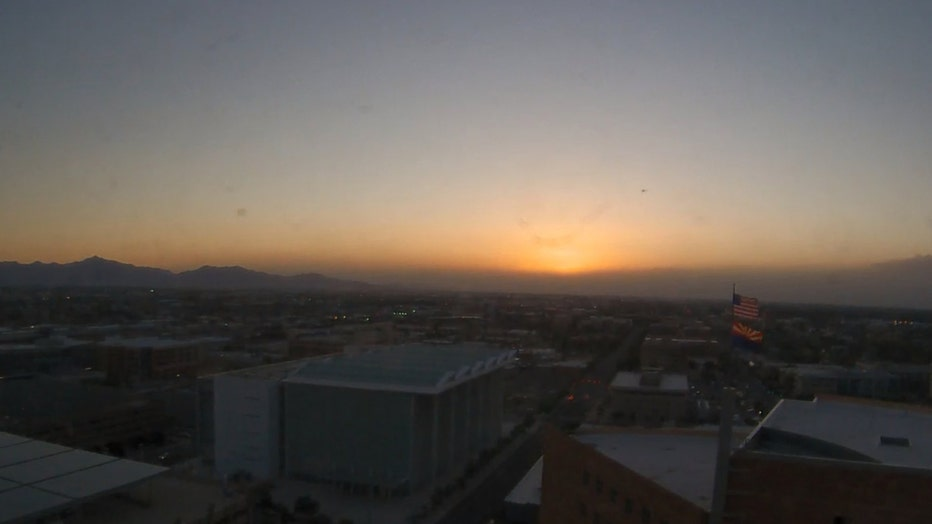 Dusty afternoon in Phoenix. Photo by NWS Phoenix