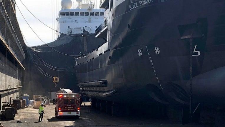 b1f9dd2d-Port ship rescue