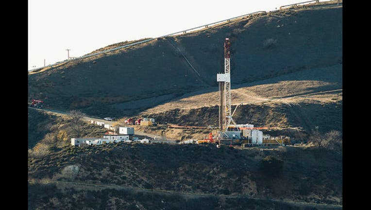 15ee6ef5-Aliso Canyon gas leak site, Dec. 14, 2015