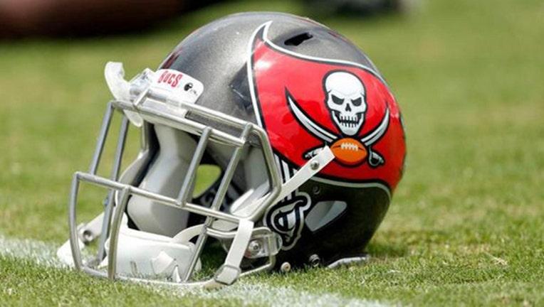Bucs Buccaneers helmet-401385-401385