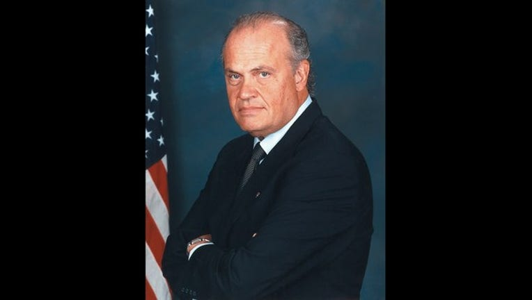 9e1e361b-Fred_Thompson official congressional photo_1446419621892.jpg