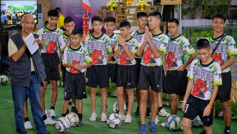 51a60f3f-GETTY_thai-soccer_1531917454542-401720.jpg