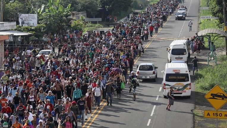 4fb8c1d3-GETTY Migrant caravan-401720