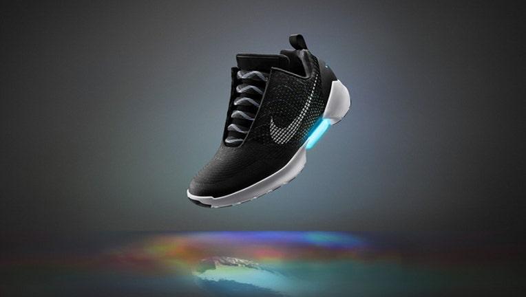 baec6f64-Nike_HyperAdapt_1_1479221489085.jpg