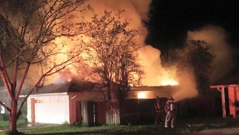 fd6640ef-Pasco house fire 2_1442763626248.jpg
