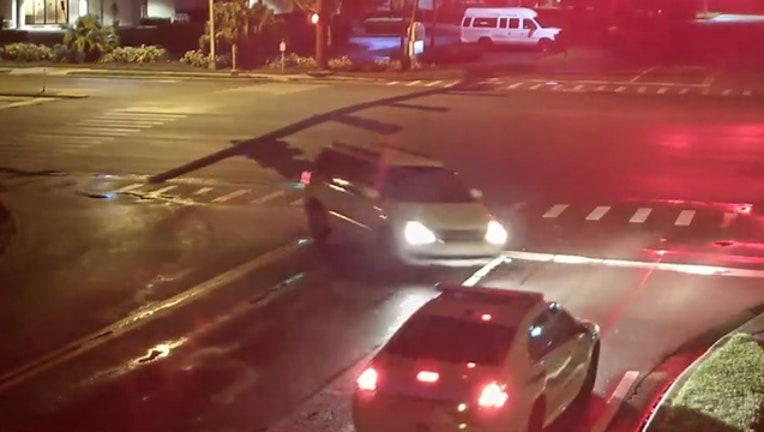 8d854d9d-Sarasota_driver_crashes_head_on_with_pol_0_20181018124532