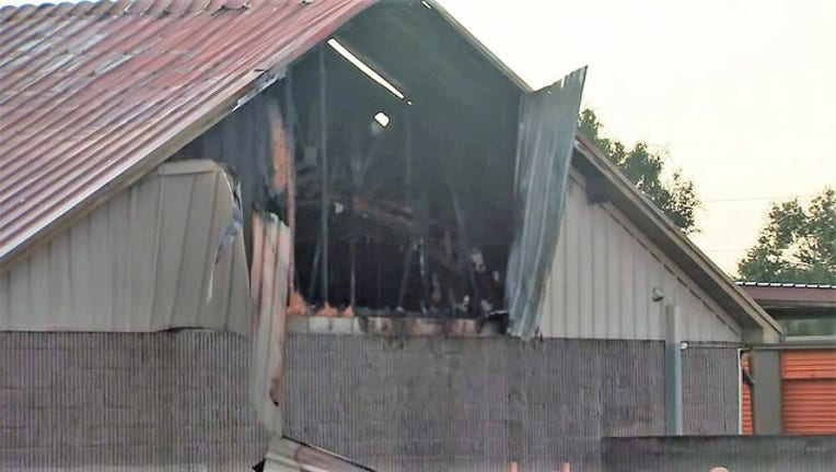 a865f206-tampa salon fire.jpg
