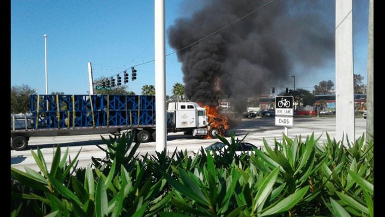 9c0f2ef6-Trailer fire Dale Mabry DAVID LOPEZ_1512265809096.jpg