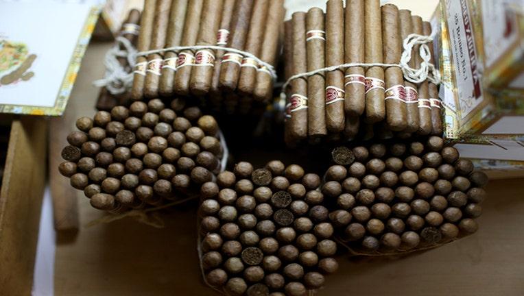 fbd17401-cigar_websize