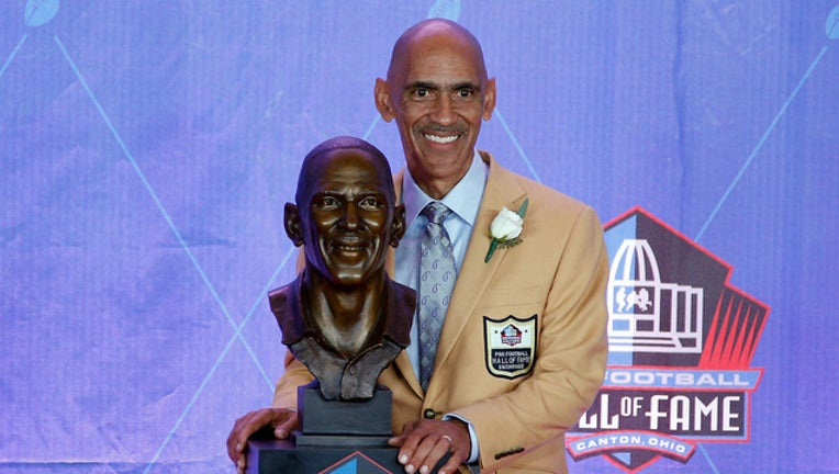94283c06-Dungy Hall of Fame