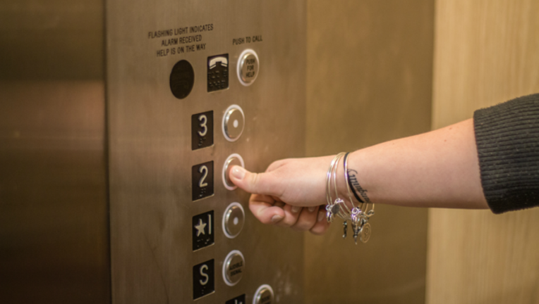 f2349f1d-elevator-cuts-woman-in-half_1503323876401-404023.png
