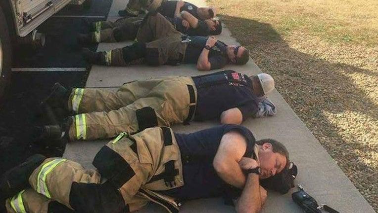 5c622364-firefighters2_1480606241658.jpg