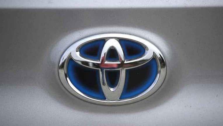 57c38dcb-getty-toyota-logo-101218_1539354343467-65880-65880.jpg