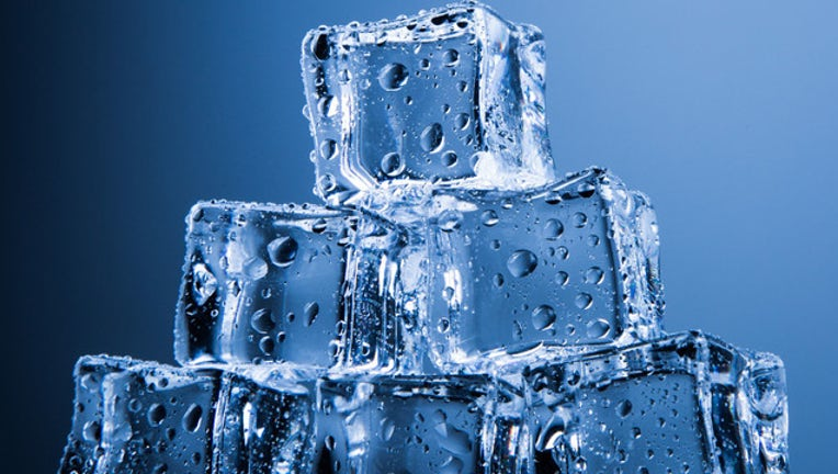 ecb2cbce-ice cubes2_1485898892076.jpg