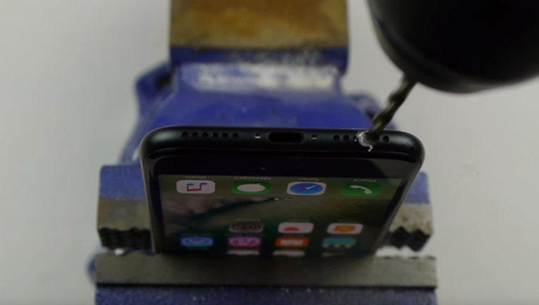 41809928-iphonehack_1474632437529-401720.jpg