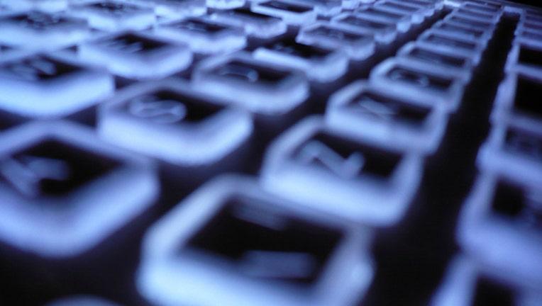 keyboard-hacking-hacker_1474919282799-404023.jpg