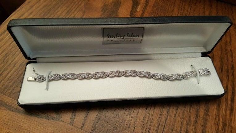 c3153f73-lost bracelet_1452697240059-404959.jpg
