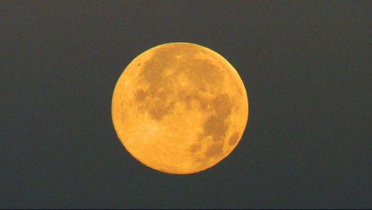 moon_1466443860321-407068-407068.jpg