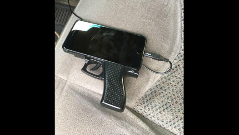 6e6d95c0-phonegun_1483223891271-407068.jpg