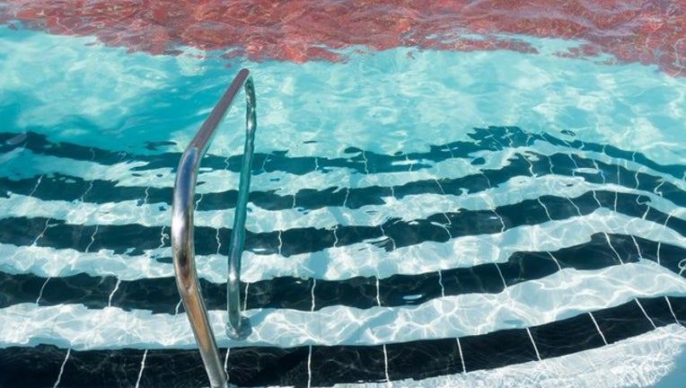 7e89f8c8-pool-400801-400801.jpg