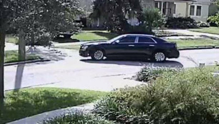 c7533412-robbery scam suspect car TPD_1541273752499.jpg.jpg