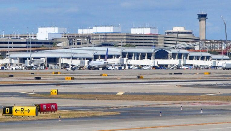 ee424093-tampa airport_1483479069144.jpg