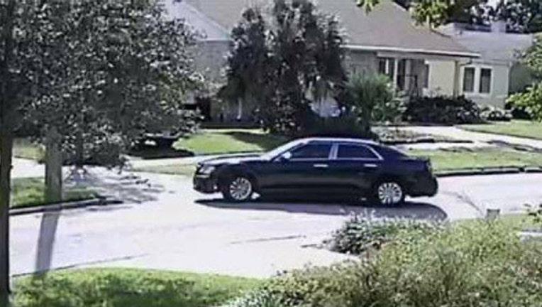 c0291618-tampa robbery suspect car_1541415282198.jpg.jpg