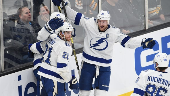 Stamkos scores in shootout, Lightning beat Bruins 4-3