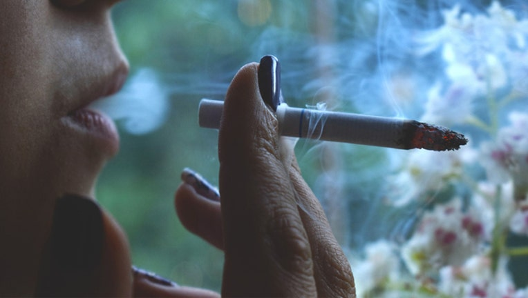 79bcb5cc-Smoking-401720