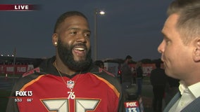 Buccaneers trade weights for turkeys ahead of Thanksgiving