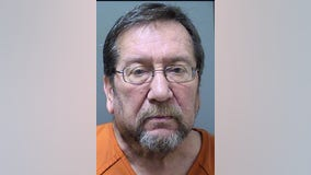 Deputies: 69-year-old man arrested after trying to meet with 14-year-old girls for sex