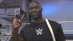 WWE's new 7-foot superstar a familiar face in Tampa sports