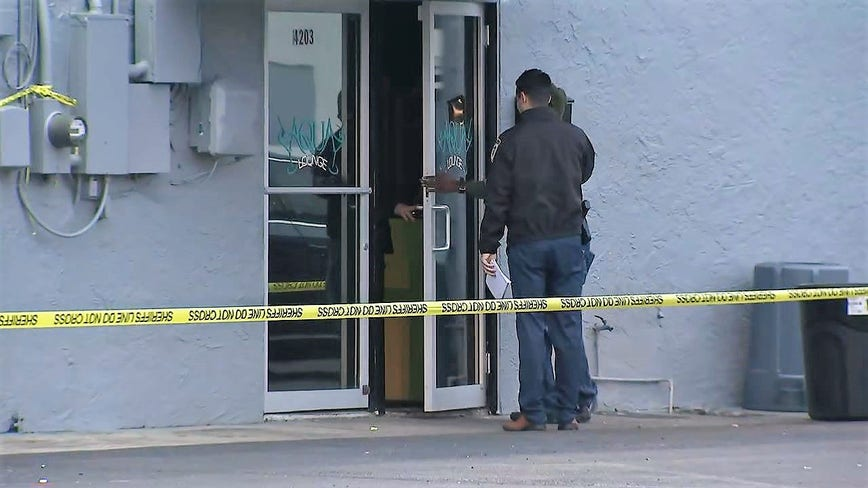 Deputies: Security guard shoots armed man during fight at Tampa lounge