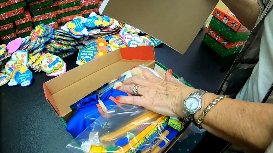 dade city church packs gifts for kids