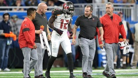 Buccaneers' Godwin, Miller leave game with hamstring injuries