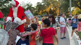 A Tampa neighborhood spreads Christmas joy to those in need