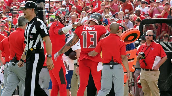 Buccaneers' Mike Evans likely out for season after injuring hamstring in TD catch