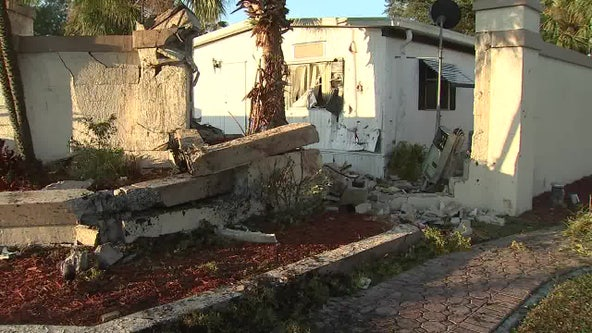 Driver dies after car crashes into Hillsborough County home, deputies say