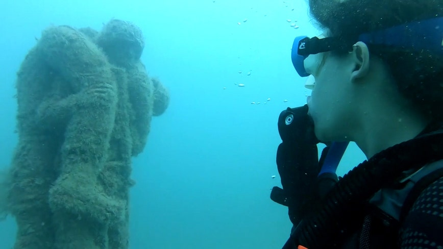 Off the coast of Pinellas County, an underwater memorial pays tribute to those who served our country