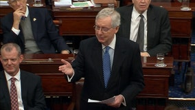 Standing ovation in Senate for outgoing pages