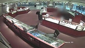 Deputies searching for armed jewelry store robber